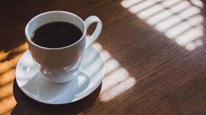 Cuánta cafeína hay en una taza de café
