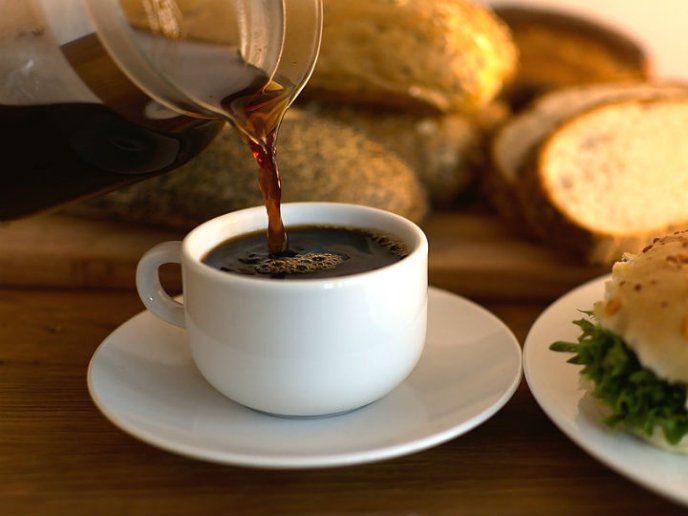descafeinado tiene cafeína