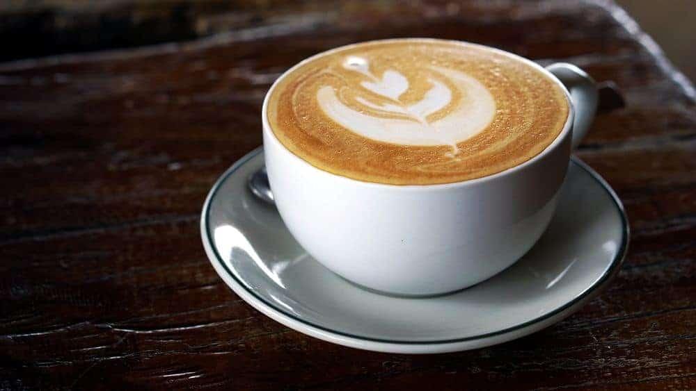 ¿Qué es un Latte?  The History + Una receta fácil de Latte para hacer uno en casa