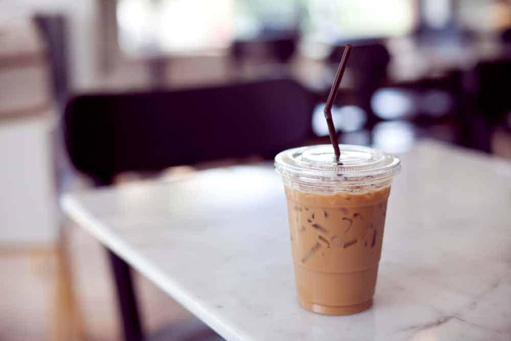 Red Bull vs Coffee: una competencia de contenido de cafeína
