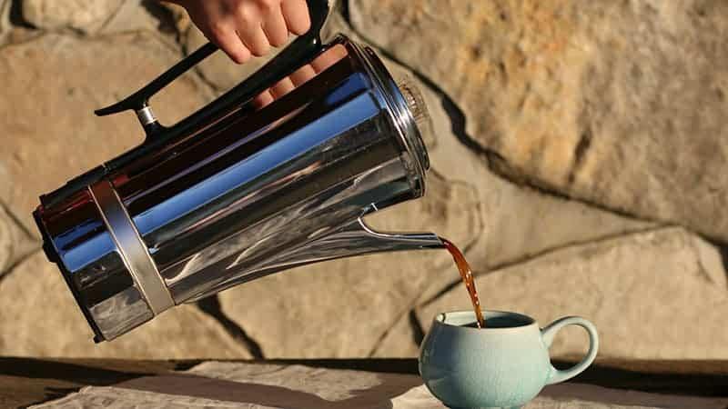 Cómo hacer café con percolador en la estufa