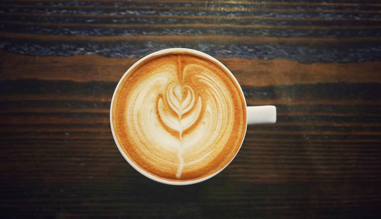 Latte vs.Mocha: la mayor diferencia en estas bebidas a base de espresso